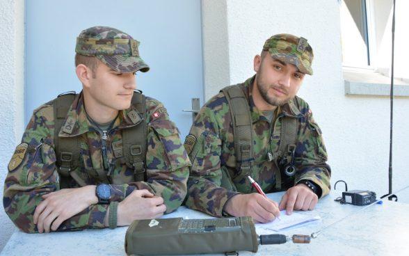 Liebe im Militär finden